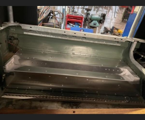 Defender tub Rear floor conversion for forward facing seats