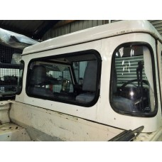 Defender 90 / 110 Truck Cab Centre Clear Glass